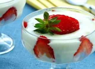 """As crianças adoram a <a href=""""http://mdemulher.abril.com.br/culinaria/receitas/receita-de-musse-leite-po-482301.shtml"""" target=""""_blank"""">musse de leite em pó</a>. Uma boa opção para o café da tarde."""