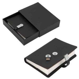 INFO MATE USB 4 GB FLASH DRIVE JOURNAL.• PU Leather • 144 pages of blank Ivory paper • 4GB USB flash drive on the magnetic lock closure • The strap keeps your journal closed and also stores your data • A secret hiding spot for your USB flash drive • Individually gift boxed