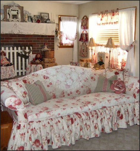 Waverly Norfolk rose fabric, i loved my old sofa. so sHabby cHic! ~mbr~