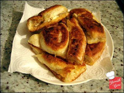 Peynirli - Yumurtalı Kızarmış Pide