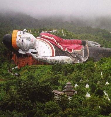truly amazing - Chaukhtatgyi Paya, worlds largest reclining buddha - Mayanmar