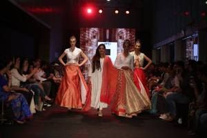 Shilpa Chaurasia is the best fashion designer in Gujarat who participated in India Runway Week 2016.Shilpa has designed cuts and picked fabrics with meticulous appropriateness. Her cuts make even the heaviest fabric rest easy on your shoulders and the beautiful patterns embroidered on her designs allure you with their beauty.