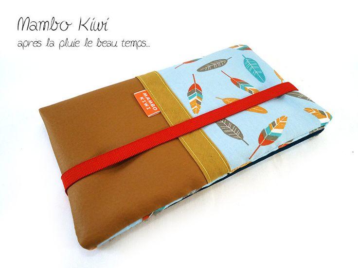 Portefeuille femme - Etui carnet de chèques - Porte-cartes en simili cuir caramel avec tissu plumes colorées : Porte-monnaie, portefeuilles par mambo-kiwi