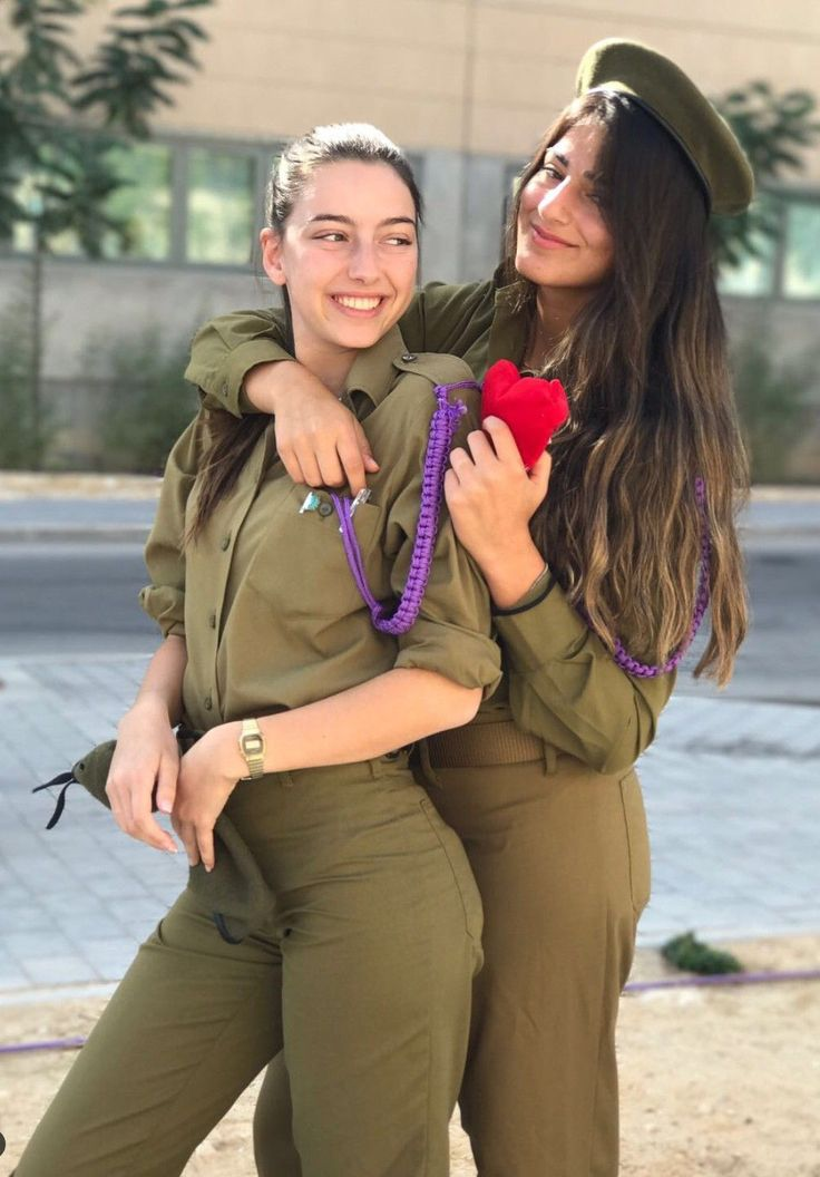 Lesbian soldier on leave gets engaged