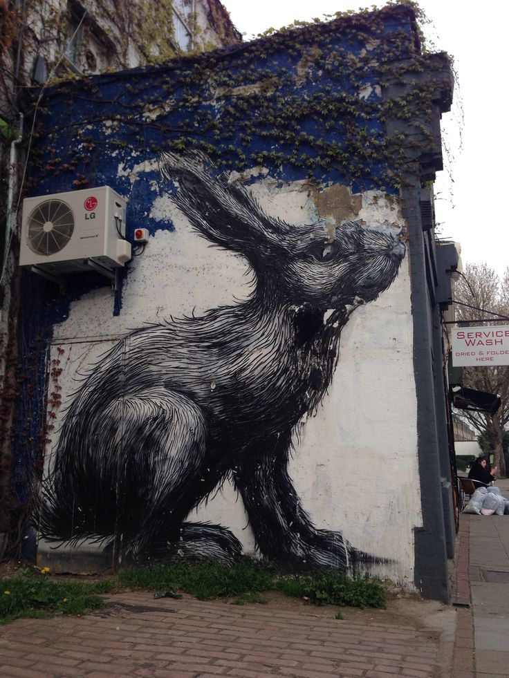 Roa rabbit on Hackney Road #streetart #hackney #roa #rabbit