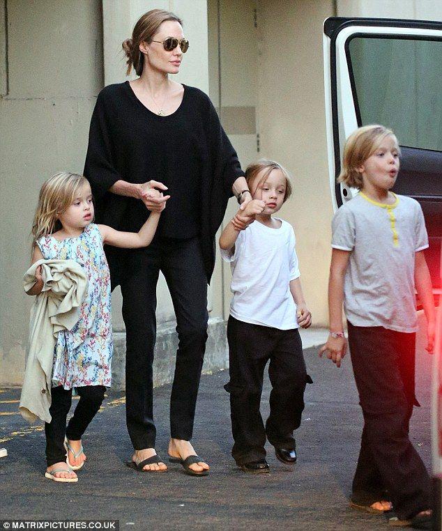 Angelina Jolie with Vivienne, Knox and Shiloh Jolie-Pitt