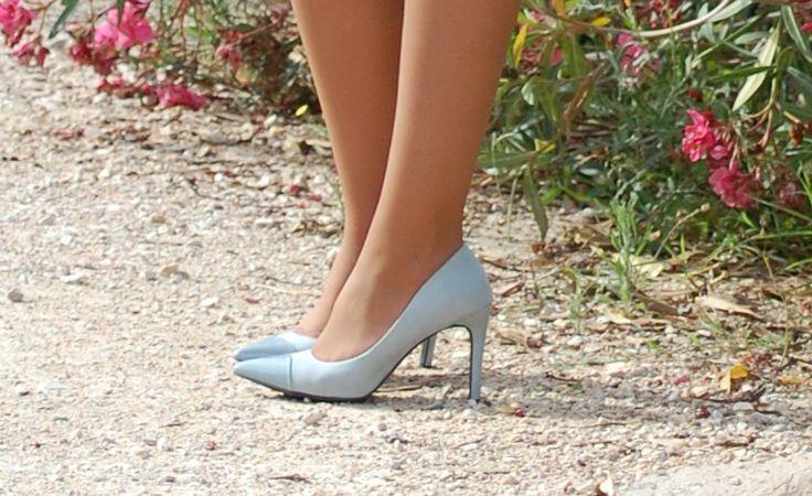 Flores - Mis30PrimaverasMis30Primaveras #fetishpantyhose #pantyhosefetish #legs #heels #blogger #stiletto #pantyhose #tan