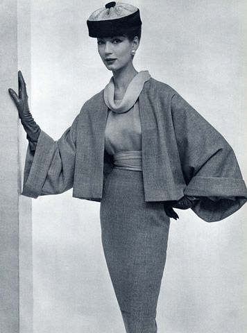 1957 - Lavin-Castillo design.