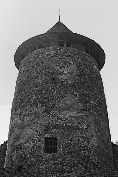 bwstock.photography - photo | free download black and white photos  //  #castle #tower