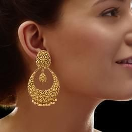 Chand Bali Earrings: Buy Chand Bali Earrings Online for Best Prices in India | Latest Chand Bali Earrings Designs 2016 - CaratLane.com