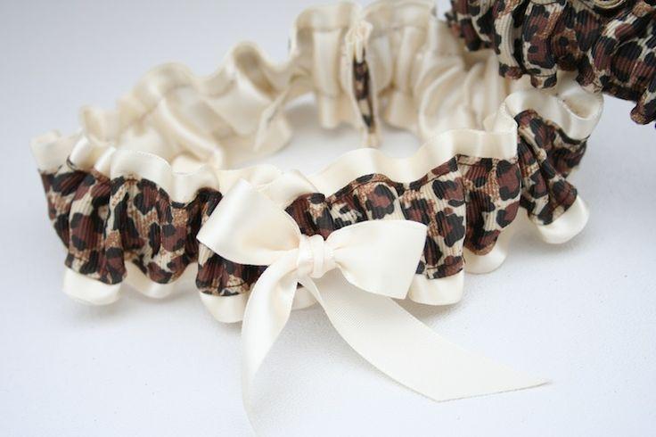 Leopard wedding garter #leopardwedding