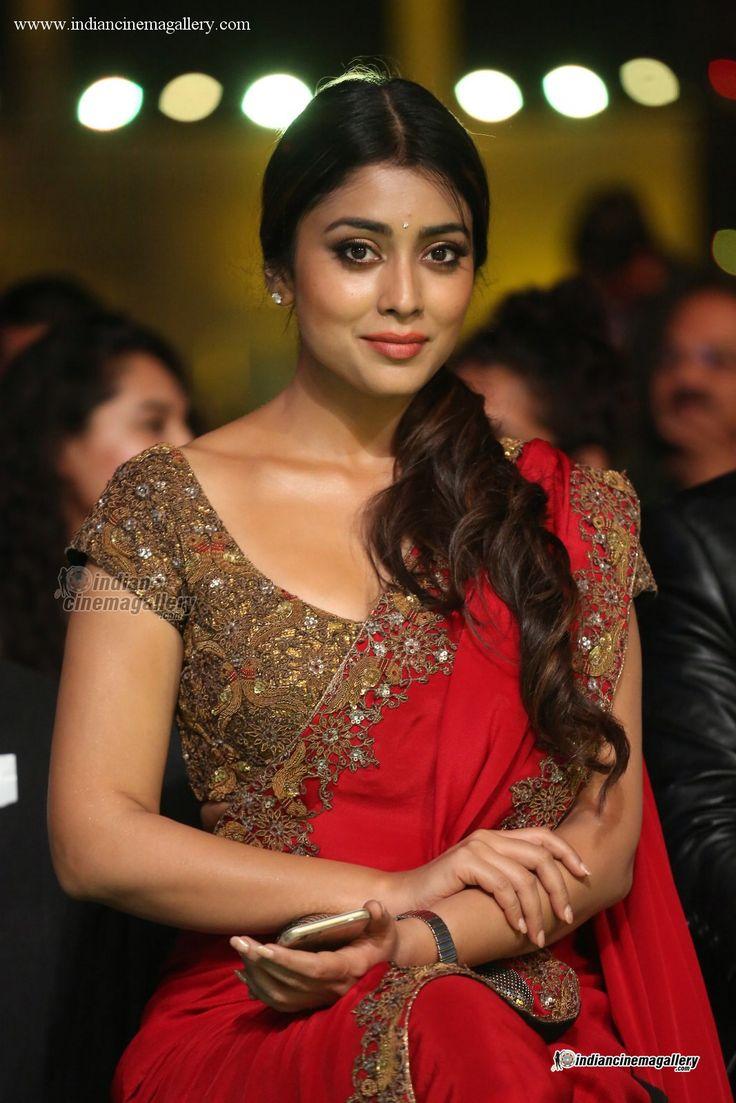 Shriya Saran-at-IIFA-Awards-2016