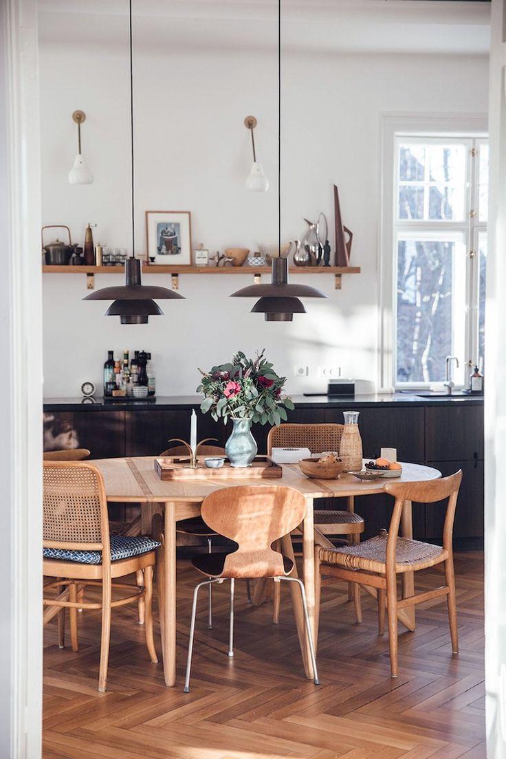 The Timeless Danish Home Of A Jewellery Designer Vintage Furniture Collector My Scandinav Dining Room Design Scandinavian Interior Design Home Decor Kitchen