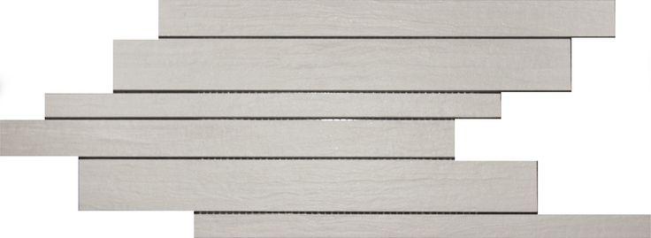 Mosaico per pavimento o rivestimento, formato 40x21x0,8cm  Grès porcellanato Muretto 40x21x0,8  Colore: baige  Superficie: matt. alla luce lucido satinato.  Materiale: Gres porcellanato.  Dimensioni: 40x21x0,8 cm.  1 Confezione: 8 tappetini.  Mano posteriore incollata su rete.  8 tappetini = 0,67 mq  Spessore:0,8 millimetri