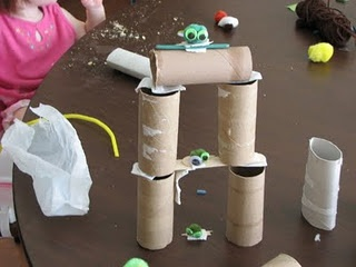 Inexpensive way for kids to play angry birds.Games Activities, Kids Diy, Birds Theme, Kids Activities, Kids Crafts, Kids Games Acting, Elijah Birthday, Angry Birds, Birds Crafts