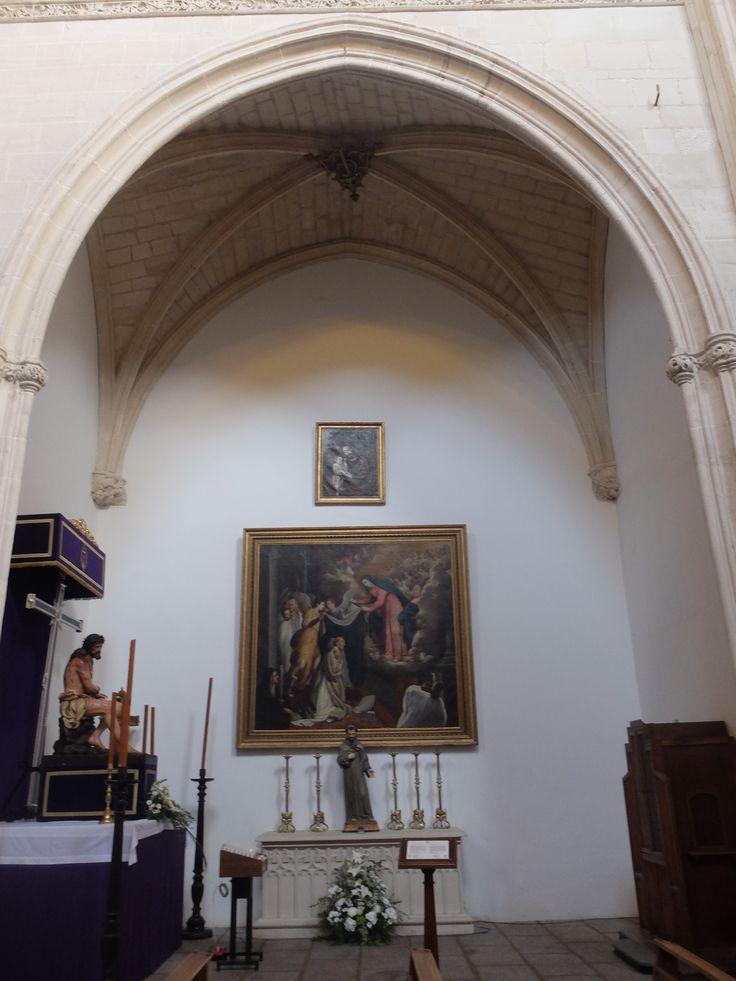 Capilla del Cristo de la Buena Muerte. El cuadro del descendimiento es de Morales.