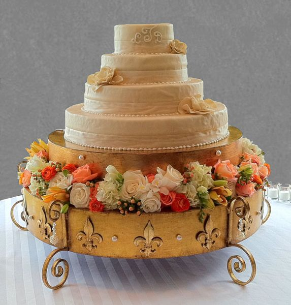 fabulous wedding cake stands 44 best fabulous wedding cake stands images on 14088