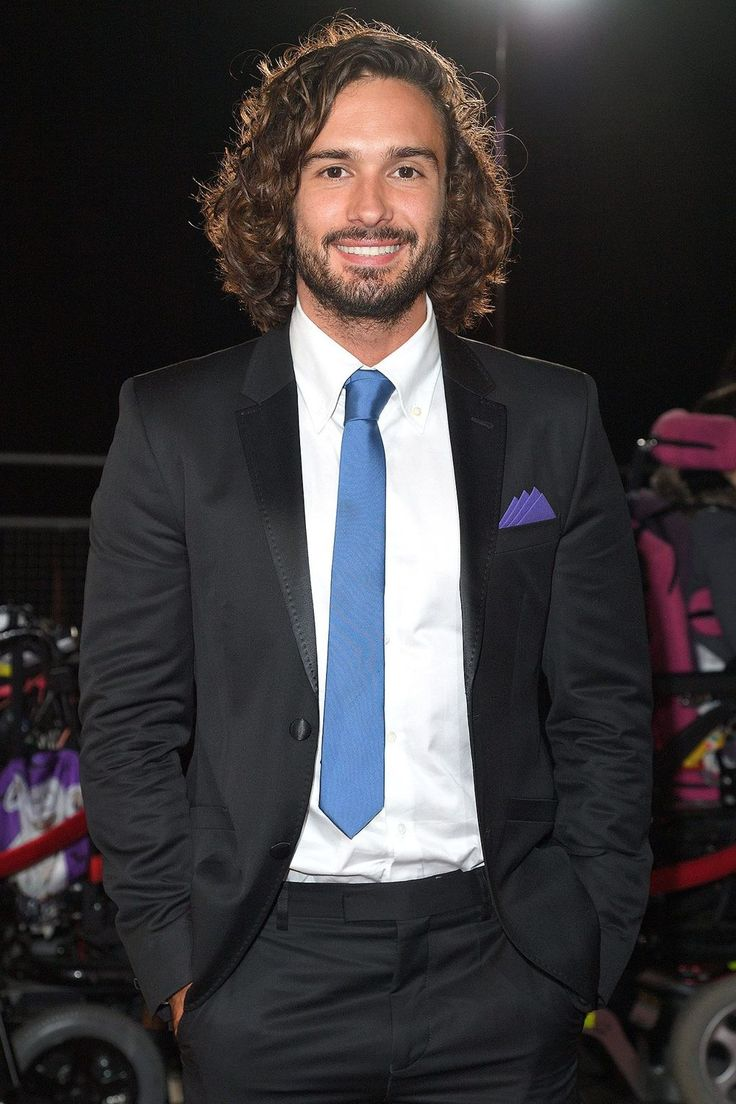 """[b]Age:[/b] 30   [b]Single?[/b] The Body Coach splitting from his girlfriend of 11 years and is now rumoured to be dating model Rosie Jones.   [b]See Him Next:[/b] Wowing us with his enviable physique on his 'fitstagram' [link url=""""https://www.instagram.com/thebodycoach/?hl=en""""]@thebodycoach[/link]. You're welcome."""