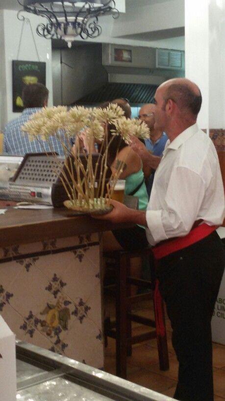 Biznaga  (gelsomino) usato nel periodo di festa estivo a Malaga