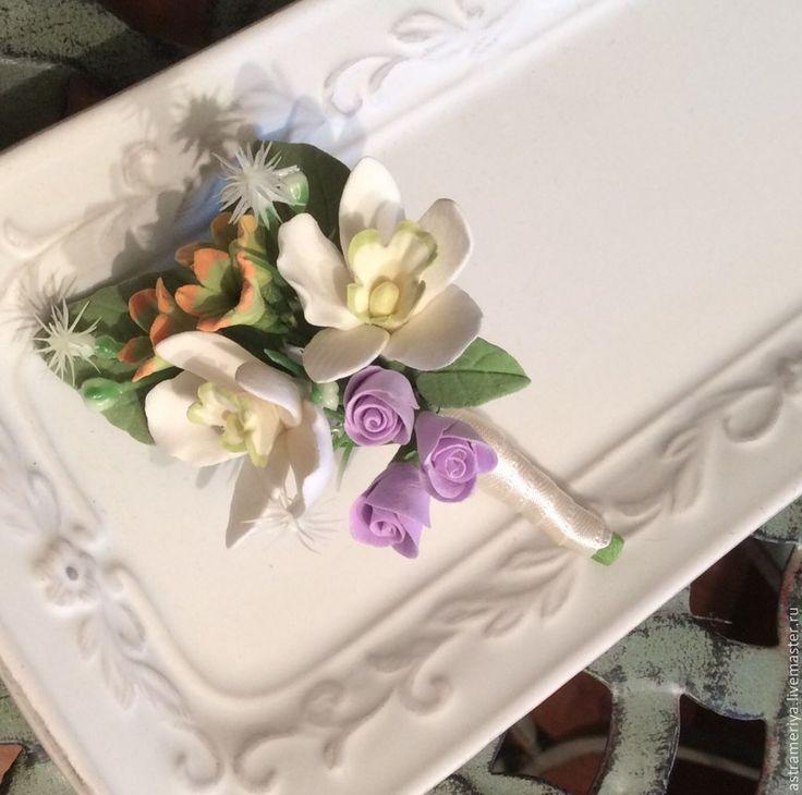 Купить Брошь бутоньерка с орхидеями из полимерной глины. - белый, бутоньерка, брошь, брошь ручной работы