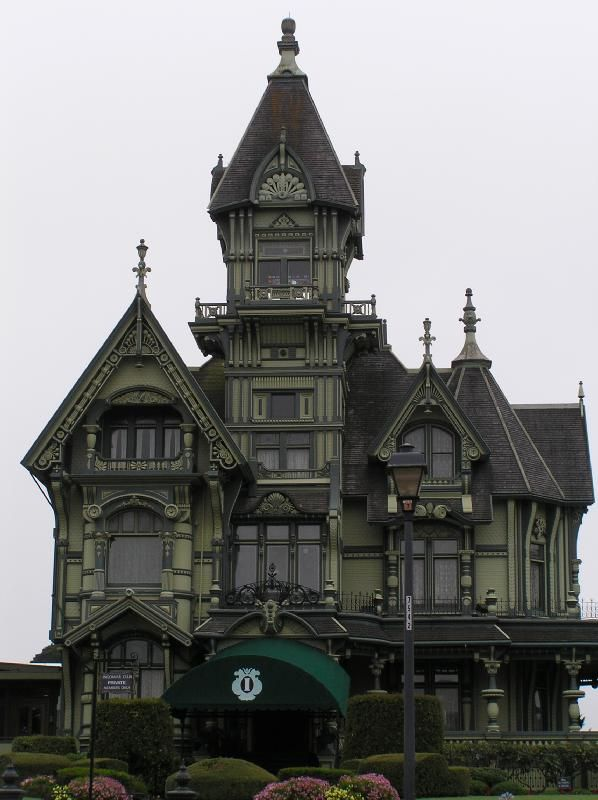 Best 25 old victorian homes ideas on pinterest old for How to build a victorian house
