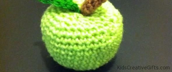 Crochet-green-apple