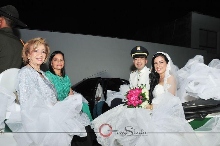 Fotografía en Bodas Civiles y Religiosas. Carruaje de novios. #novios# #bodas# #carruaje# #familia# #compromiso# #amor# #ceremonia#