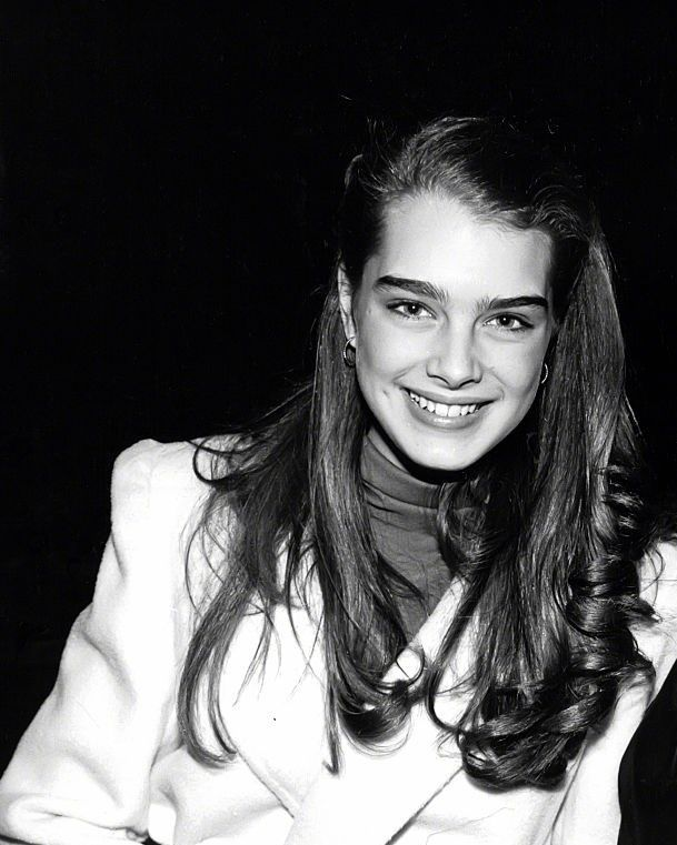 brooke-shields-girl-pictures-apply-facial-mask