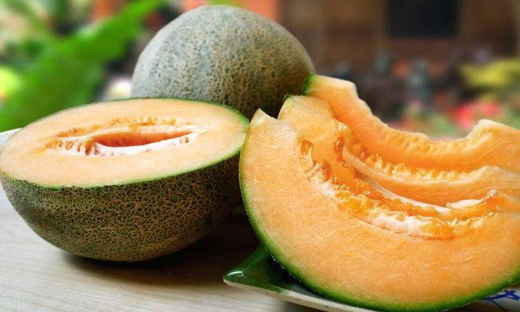 """Cuando la sed y el calor nos ataca, nada como disfrutar de una fruta hidratante y energizante. Mi sugerencia es la ingesta del melón, una fruta deliciosa, refrescante y rica en nutrientes. google_ad_region = """"test"""" Gran parte del melón está compuesto de agua, por lo que es una excelente fuente de hidratación del cuerpo. También"""
