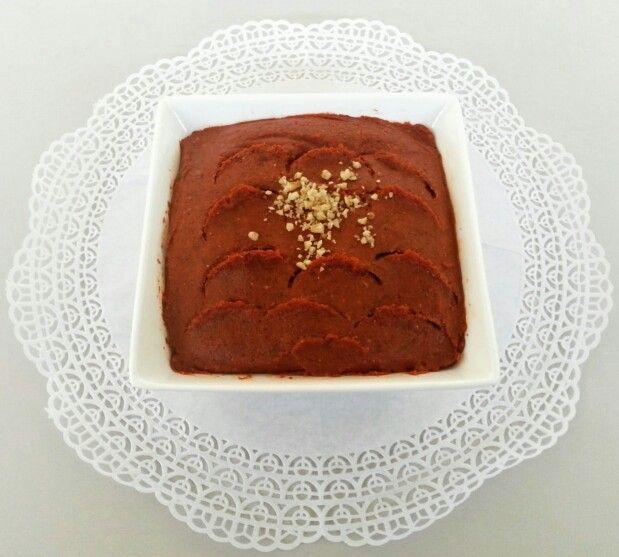 Acuka is een hete peper dip dat veel gegeten word in de Turkse keuken. In het oosten van Turkije, wordt acuka aangeduid als muhammara.  De belangrijkste ingrediënten zijn meestal verse of gedroogde pepers, gemalen walnoten en speciale acuka kruiden.  Acuka wordt gegeten als een dip met brood, als een spread voor op toastjes of als een saus voor bij kebab of gegrild vlees.