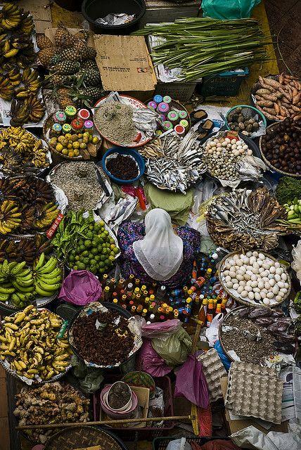 Vegetable Market, Kota Barhu, Malasya by David Vilder.