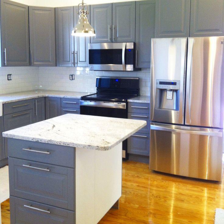 kitchen remodel by link renovations grey ikea cabinets white subway tile backsplash hardwood wei u bahn fliese aufkantungikea - Ubahnaufkantung Grau