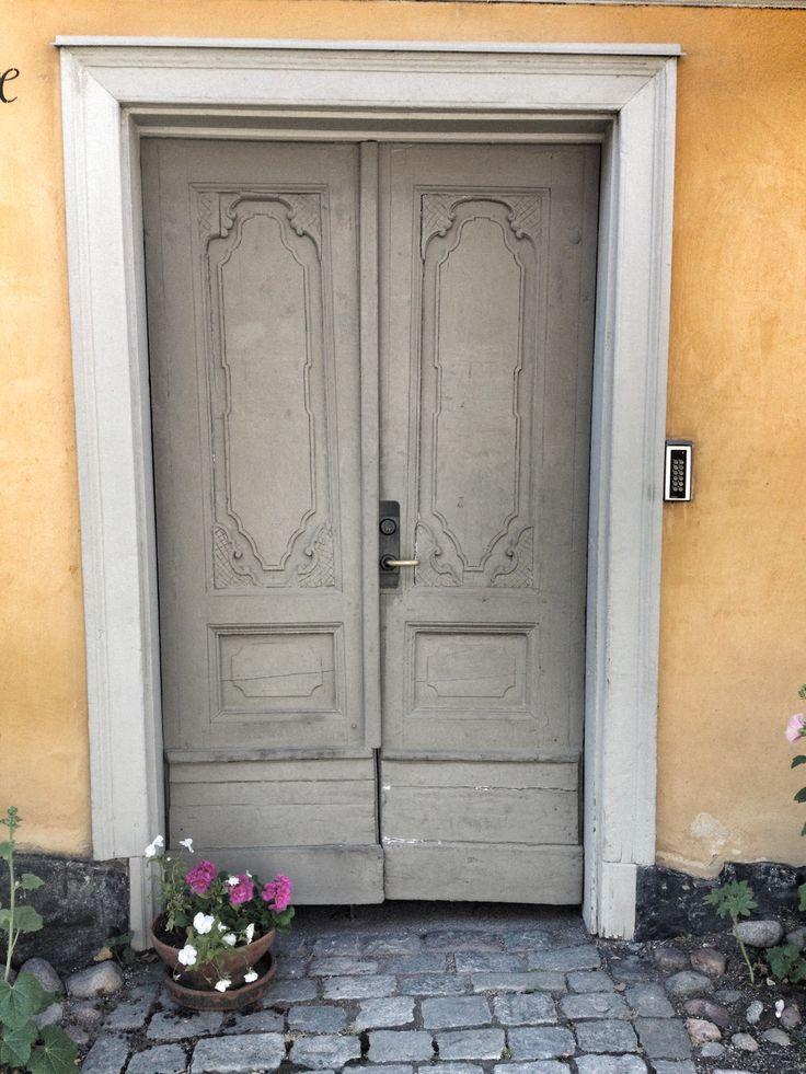 Old door in Djurgården, Stockholm