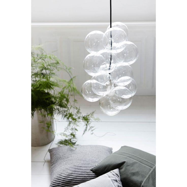 DIY pendel från House Doctor. En bubblig och cool lampa som påminner om såpbubblor oc...