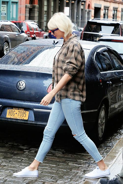 swiftgallery:Out about in New York City New York (May 1