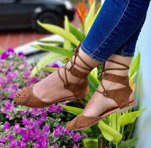 """""""👟En @poseidonstore_ 🔱 encontraras los mejores zapatos a los mejores precios💵 🔼Envíos a todo el país 📦 🔼Ventas al mayor y al detal📦 🔼Aumenta tus ingresos, conviertete en uno de nuestros clientes mayoristas de nuestra empresa 💹 🔼Whatsapp: 3138770719 📲 . . . . . . . . . . . #cartagena #monteria #risaralda #tolima #ibague #yopal #popayan #neiva #mocoa #armenia #pereira #Sincelejo #villavicencio #valledupar #photooftheday #followme #girl #boy #tunja #swag #amazing #fashion #cali…"""