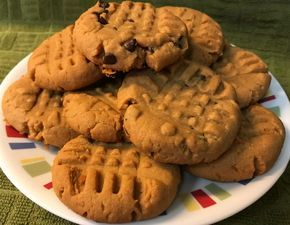 Low-Carb/Keto Sugar Free Peanut Butter Cookies These peanut butter cookies are delicious and you will NOT miss the sugar at all, or the FLOUR. 1 large Egg1 cup Splenda; or your favorite sugar subst…