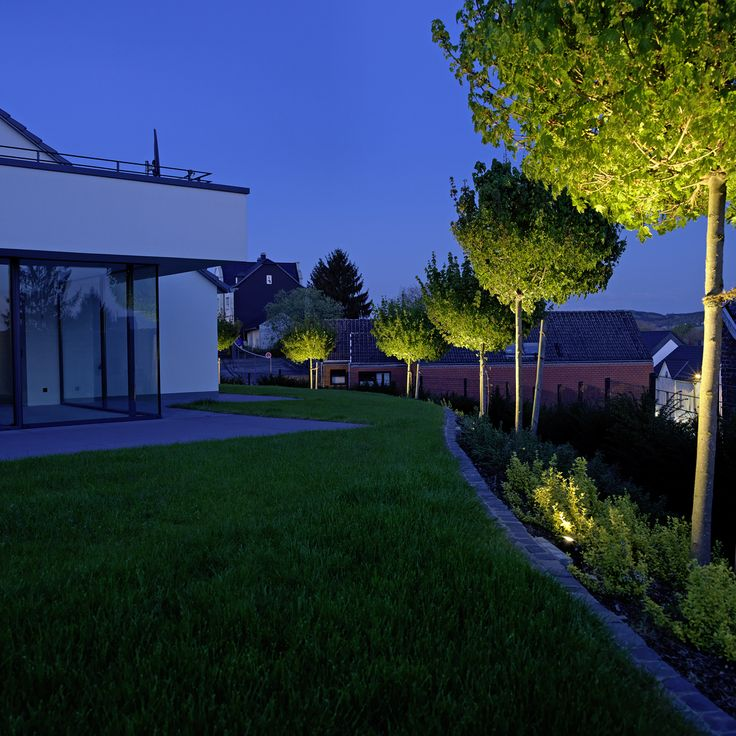 die besten 25 bodenstrahler ideen auf pinterest terrassen beleuchtung led einbauleuchten led. Black Bedroom Furniture Sets. Home Design Ideas