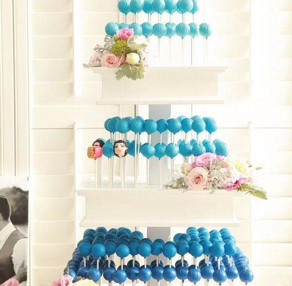 Кейк Попс – пирожные на палочке. Такой интересный подход к подаче десерта сделает праздник еще ярче. Торт из кейк попсов – отличный выбор для свадебного торжества. Пироженки могут быть разного цвета, с любыми рисунками и узорами, всяческими начинками, с глазурью. #cakepop #cakepops #десертик #десертыназаказ #десертназаказ #десертики #вкусняшка #вкусняшки #вкусняшкиназаказ #сладости