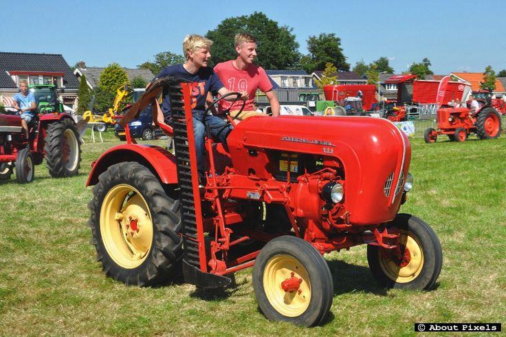 2015-08 Klassieke tractoren op Fokveedag (Hellevoetsluis)