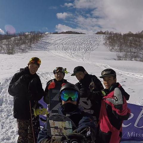 Instagram【shingo.1105】さんの写真をピンしています。 《大晦日ボード🏂 . あけましておめでとうございます🎍 今年もよろしくお願いします😎 . そして今日から群馬プラチナシーズン券解禁です!群馬のスキー場いくなら是非倉林真吾をよろしくお願いします(⌒-⌒; ) . #苗場スキー場 #かぐらスキー場 #snowboard #スノーボード #goproのある生活 #ゴープロのある生活 #DQNスキーヤー#動画見返すたびイラつく笑 #しゃぶしゃぶ #温泉やってない #登谷山 #夜景 #金鑚神社 #初詣 #中吉 #今年もよろしくお願いします #社会人の年 #あけてしまった年》
