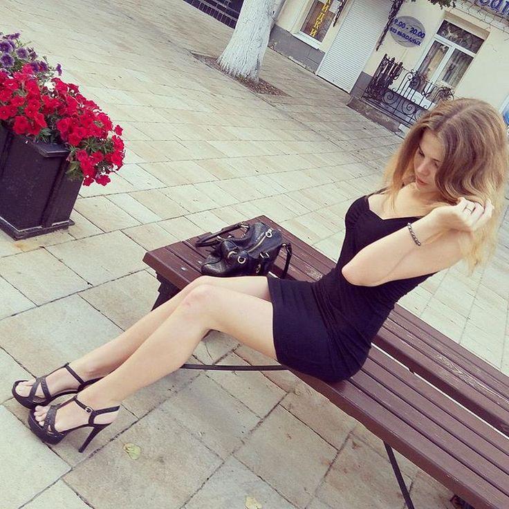 #relax #happy #weekend #photos #evening #beautiful #goodlife #follows #amazing #princess #perfect #kiss #love #sweet #beauty #followme #hello #glam #follow #diez #cool
