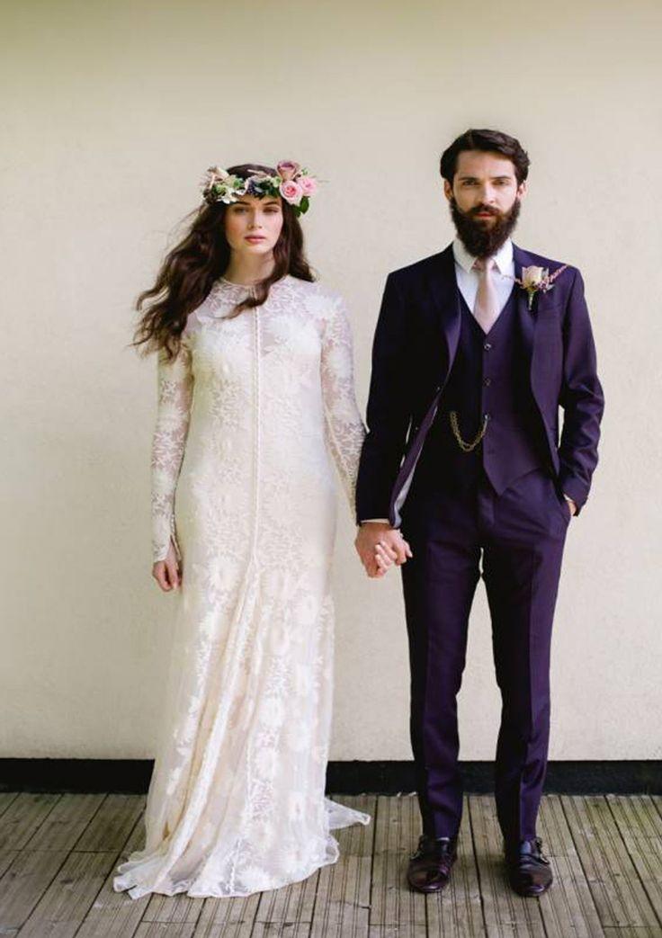#AppleberryPress. Pink wedding, lace wedding dress, vintage wedding dress, boho bride, floral wedding crown, romantic wedding theme. www.appleberrypress.com
