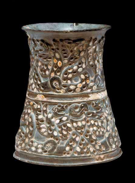 Iran, Jiroft chlorite vase, ca 3000 BC. گلدان سنگی، هنرجیرفت ، حدود ۳۰۰۰ سال پیش از میلاد