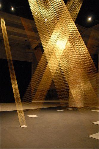 Ttéia installation by Lygia Pape, 2002.