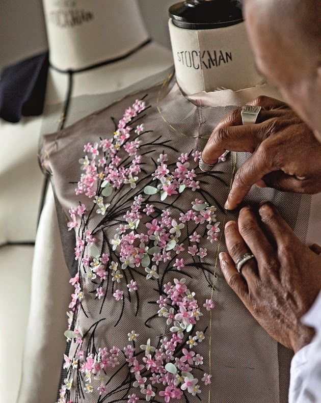 Mix and Chic: Book review- Haute Couture Ateliers: The Artisans Of Fashion!