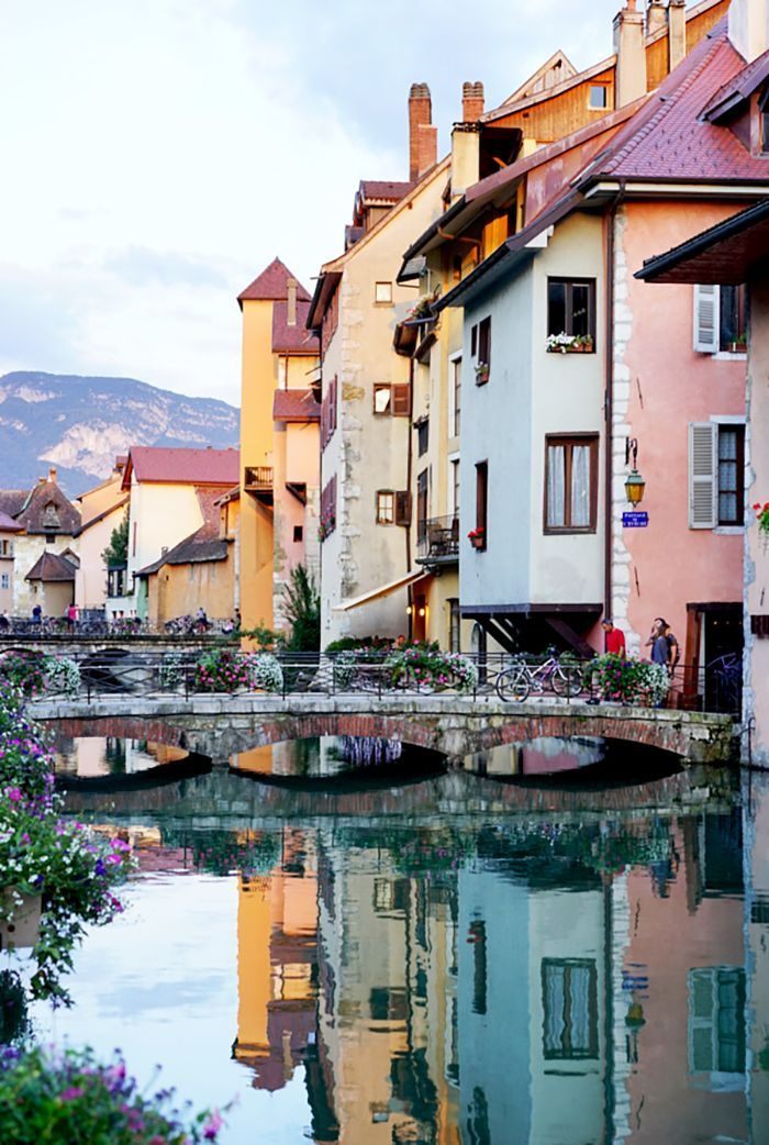 Traveling to France? Follow the locals and plan a trip to one of these gorgeous French towns.