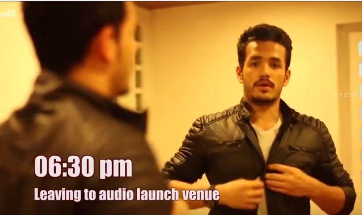 ఆ రోజు అఖిల్ ఆడియో ఫంక్షన్ కి వచ్చే ముందు  అద్దం చూసుకుని  తనకి తను ఏమి మాట్లాడుకున్నడూ చూడండి . చూడానికి కూల్ గ ఉండే అఖిల్ ఎలా టెన్షన్ పడ్డాడో  వీడియో చూడండి ......  http://telugulocalnews.com/movies/akhil-akkineni-on-akhil-audio-launch-day/