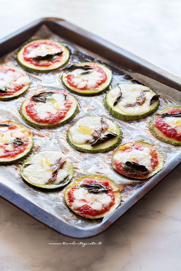 Pizzette di zucchine - Ricetta Pizzette di zucchine (veloci e light)