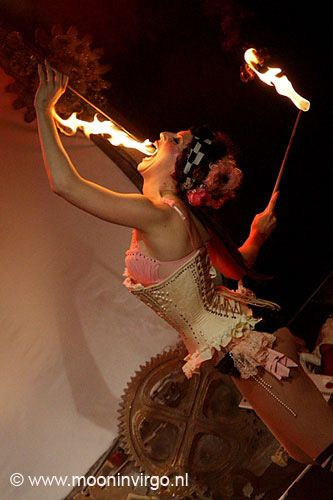 fire eater performance to kick off the evening?